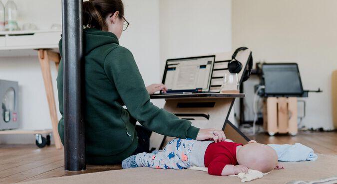 Home office con un bebé